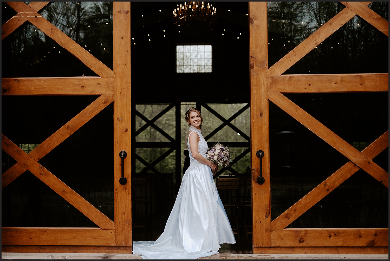 Hidden Hollow Farm Wedding Indiana_0044.jpg