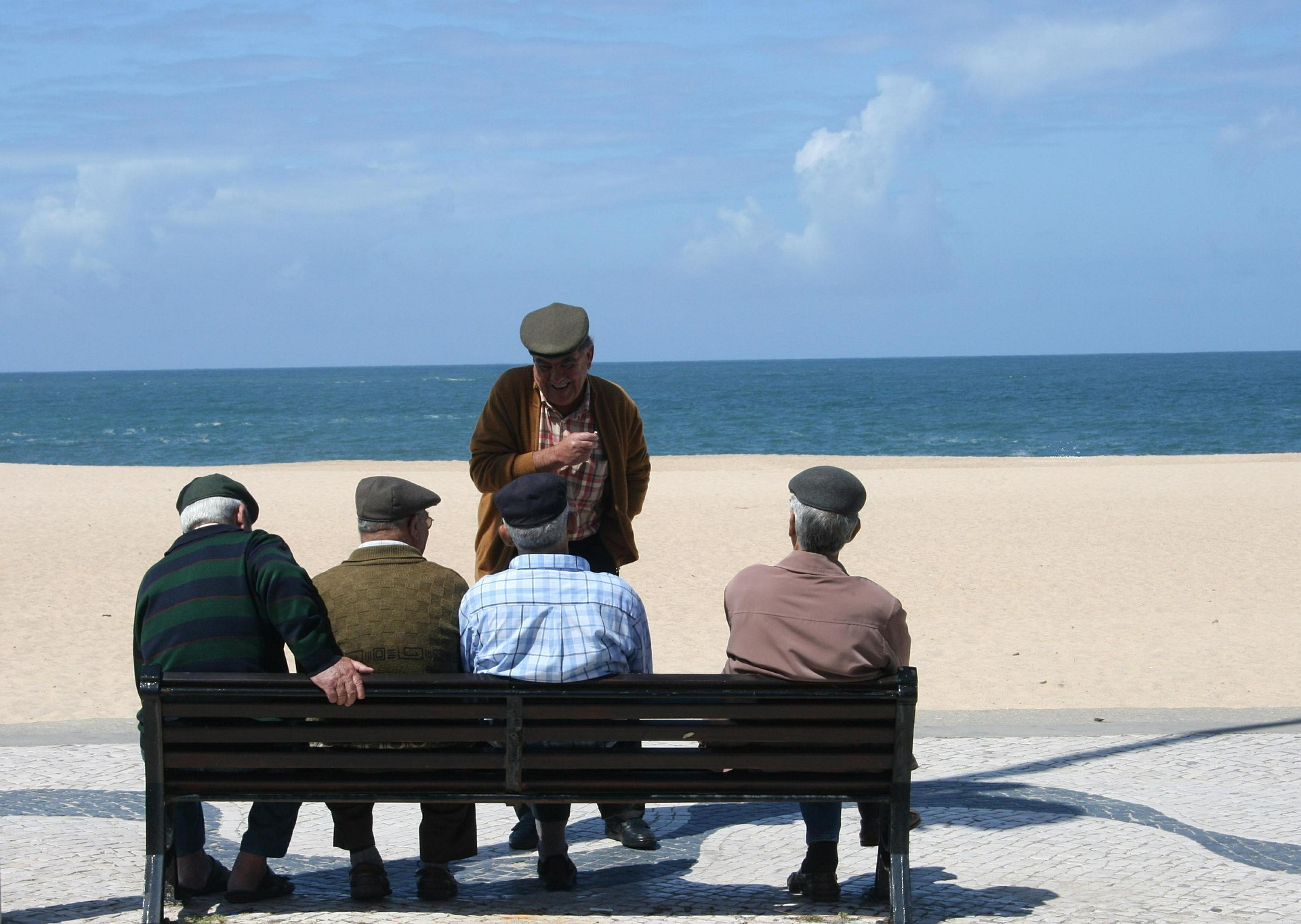 old-men-515882_1920.jpg