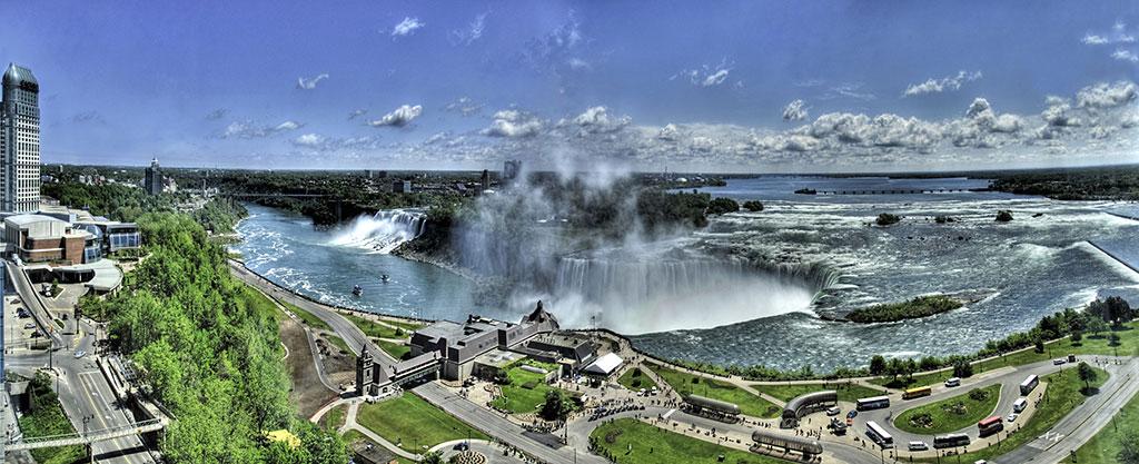 Niagara-Falls-Panorama.jpg