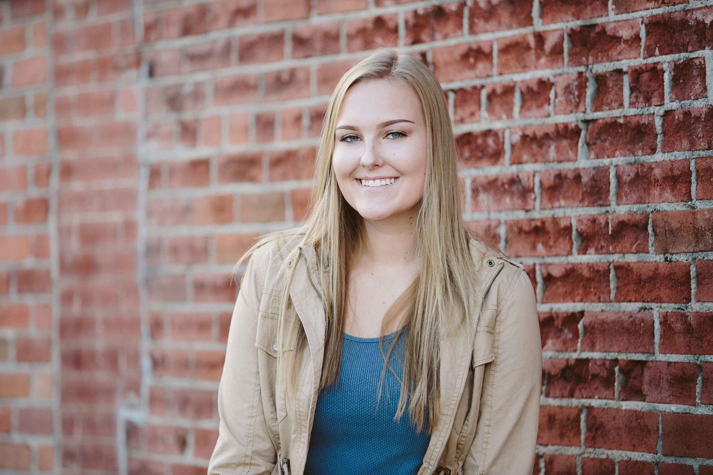 MP_Senior Portraits-Leah Van Der Sanden-2543-web.jpg