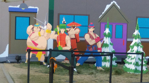 """Let's Fighting Love!!"" South Park life-sized scenes."