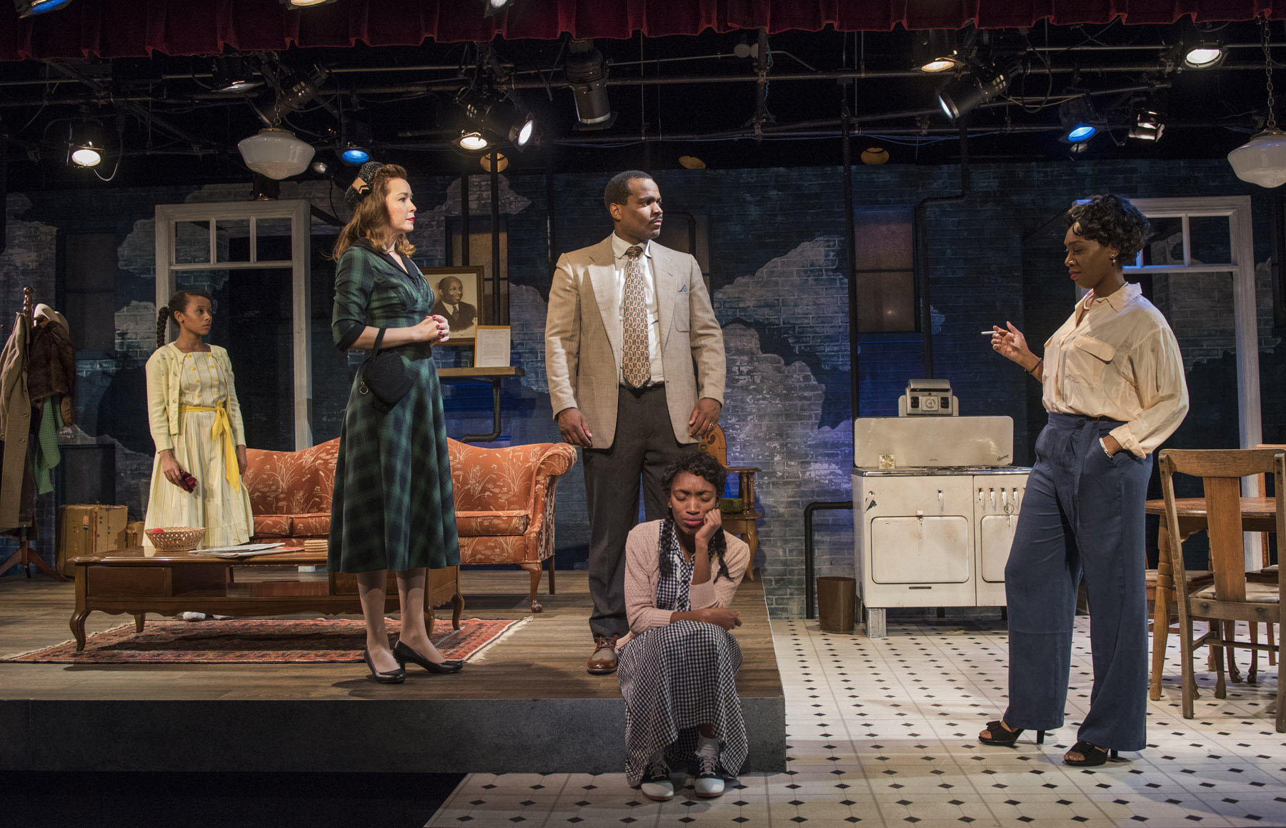 3.-Brandi-Jiminez-Lee-Emily-Tate-Terence-Sims-Chanell-Bell-and-Brianna-Buckley-in-Raven-Theatre's-production-of-CRUMBS-FROM-THE-TABLE-OF-JOY.jpg