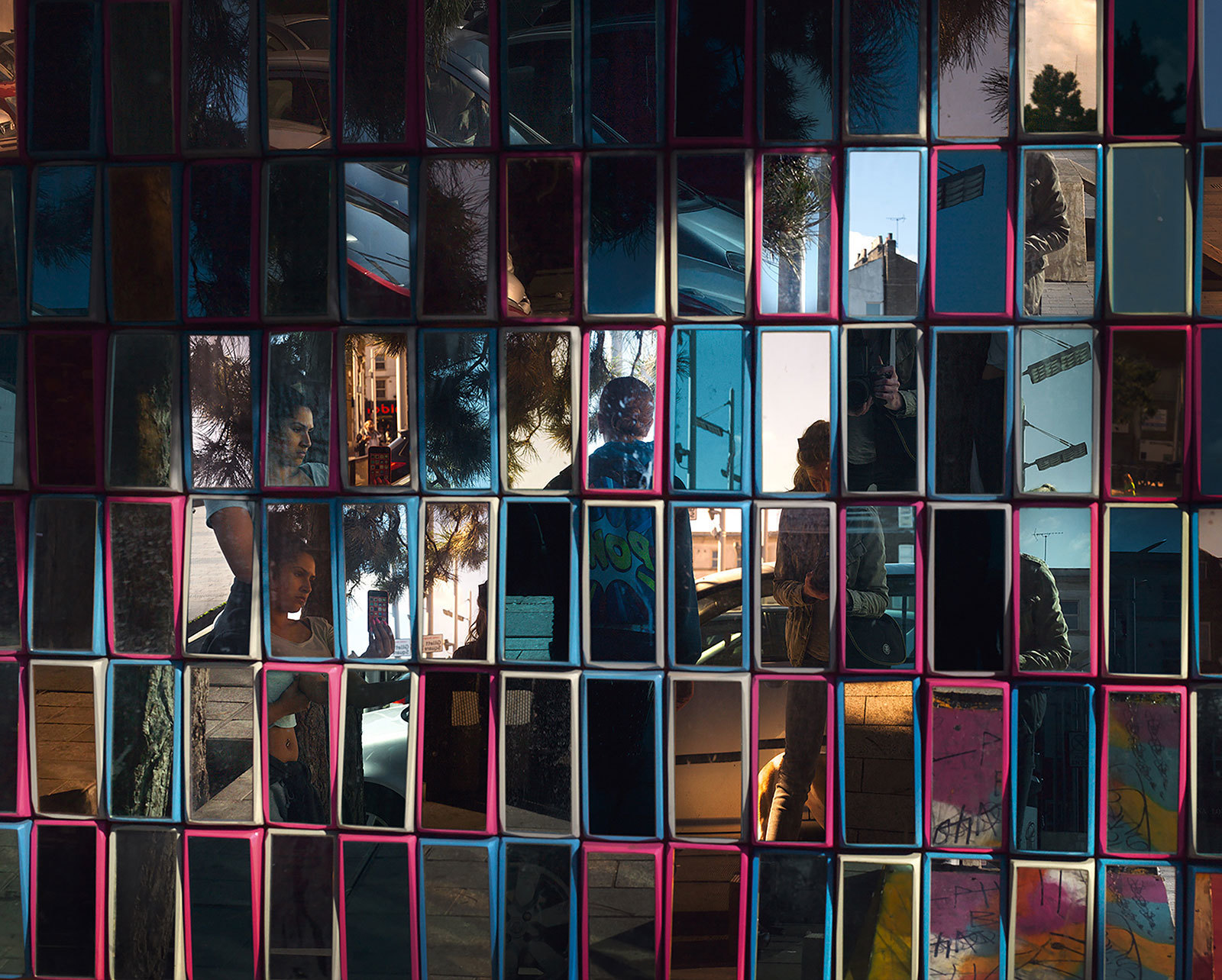 Hannah Starkey Mirror – Untitled 2015 Framed c-type print mounted on aluminum Represented by Maureen Paley