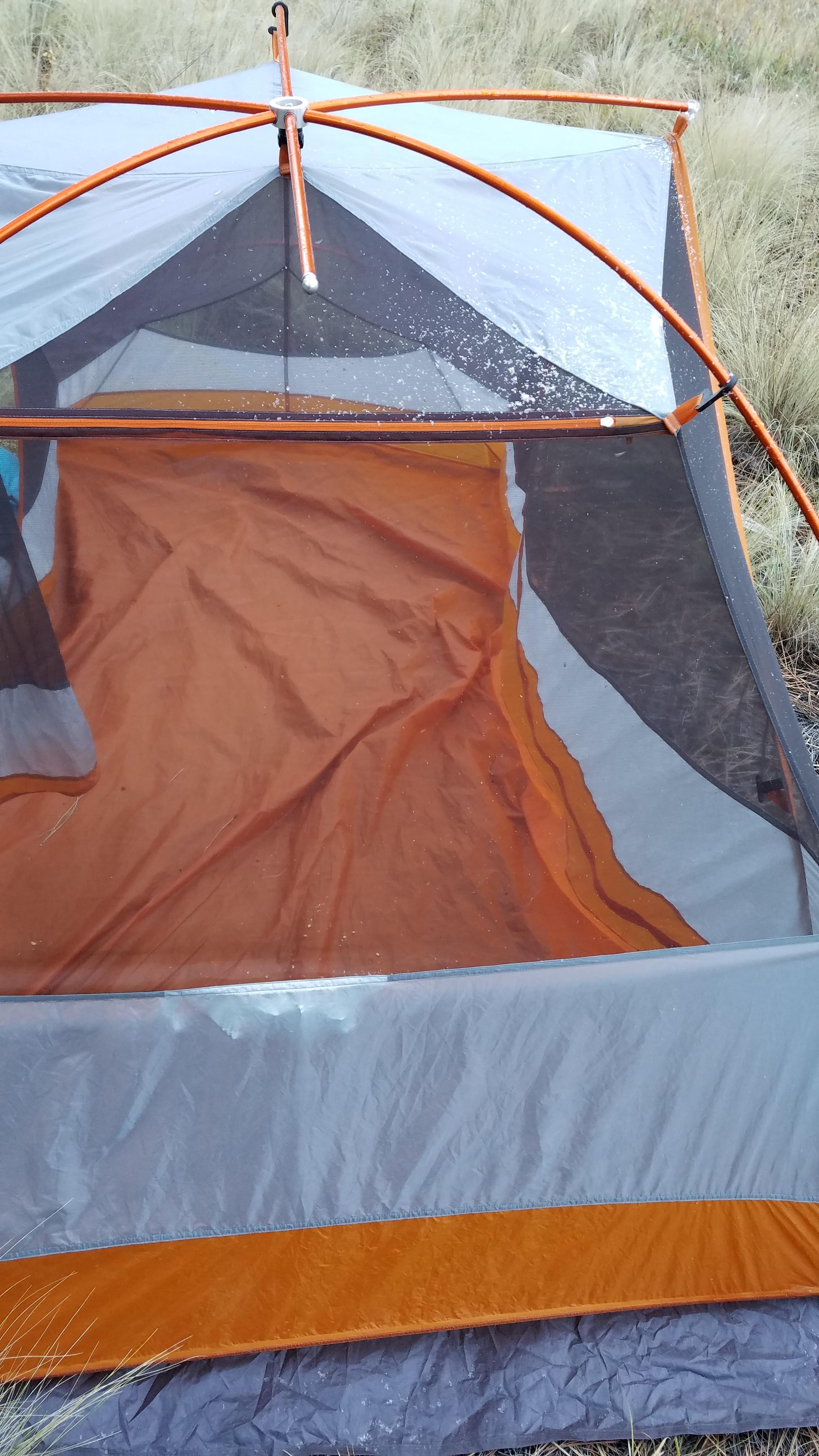 Tent dandruff