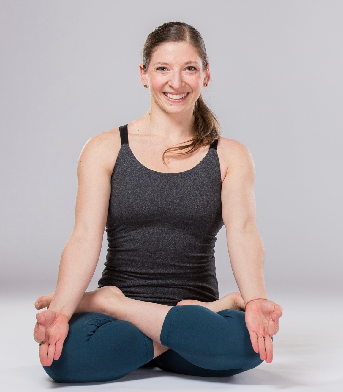 Carly Hunter Yoga About Carly Hunter Yoga Teacher And Practitioner