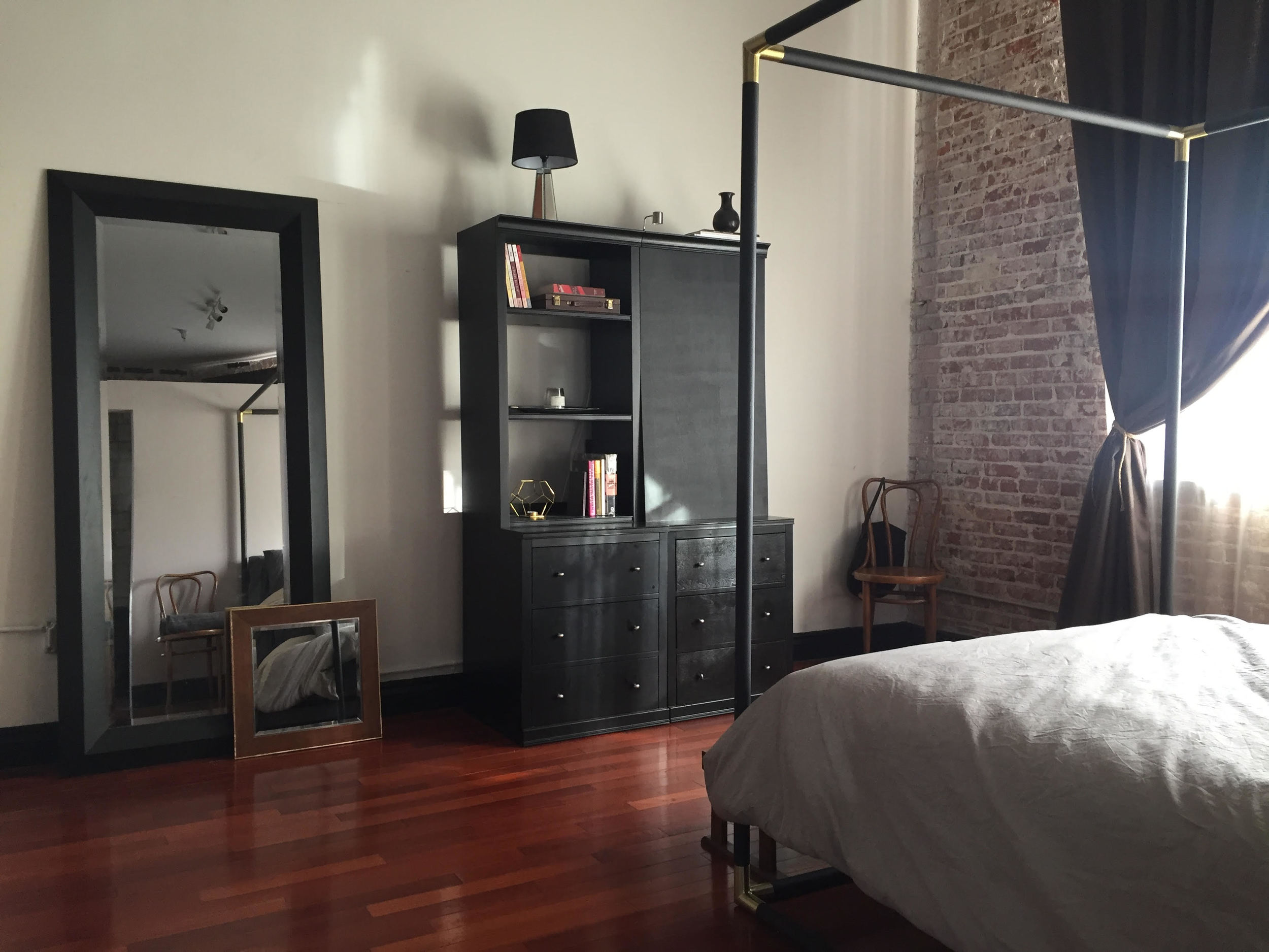 Bedroom cab.jpg