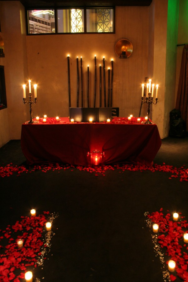 Sushi Roku Private Dining Room - Red roses and candles set the stage for a surprise proposal. Photo by Joe Hewitt.