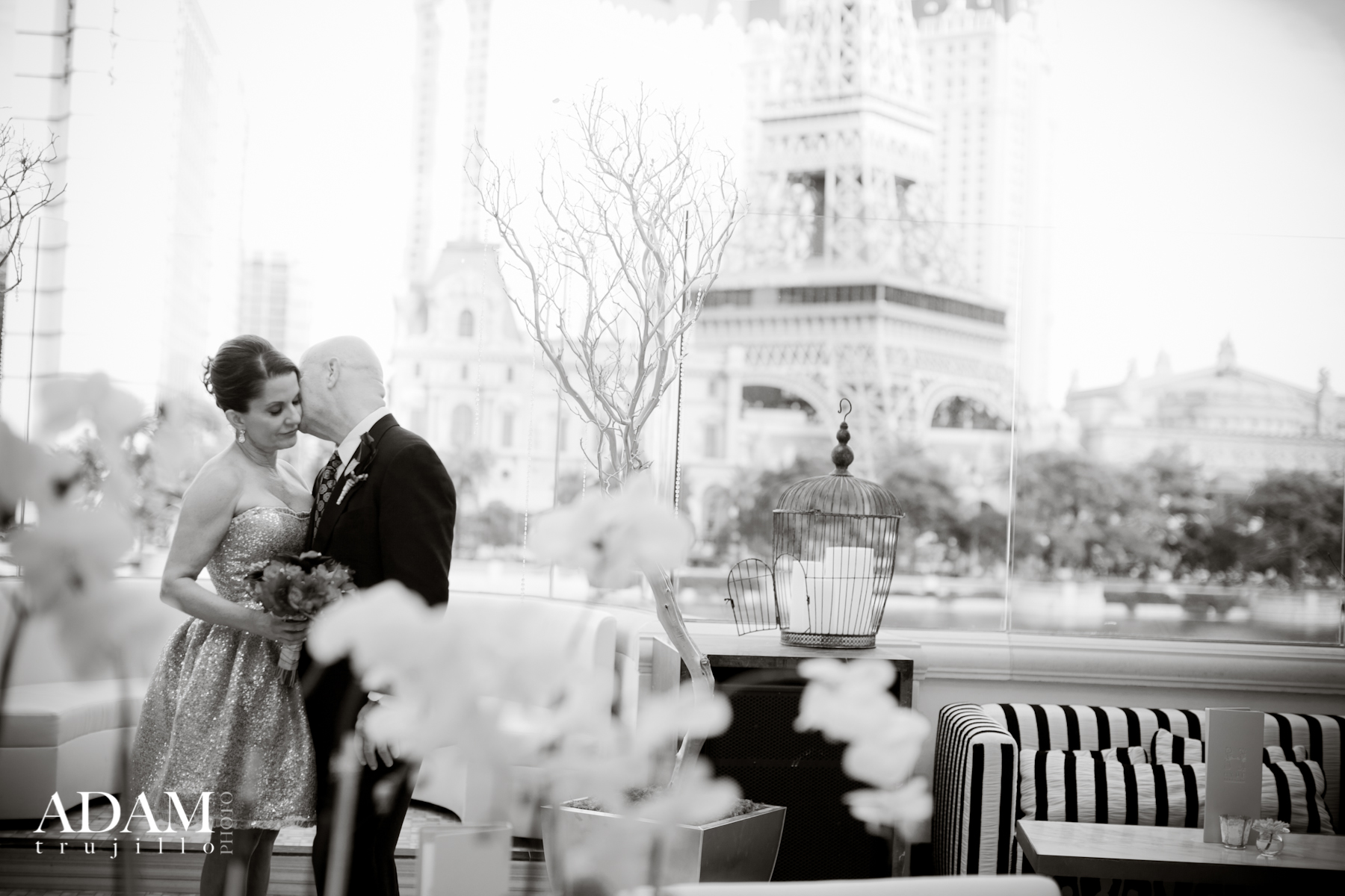 A private moment at Hyde Bellagio, exchanging vows along the Lake