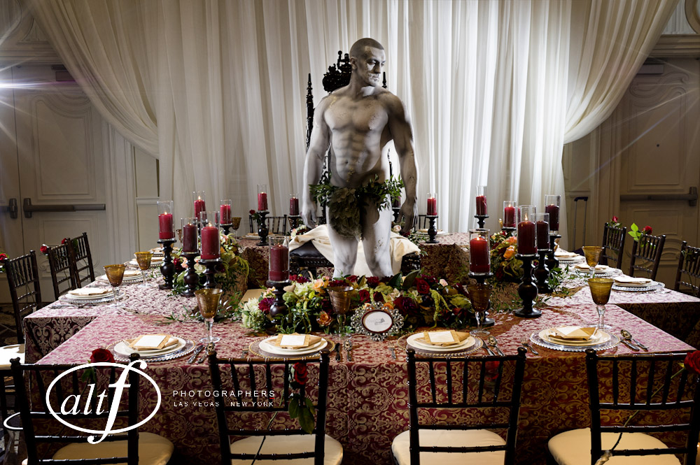 Dining with The David! What an amazing centerpiece! Kona the living statue!