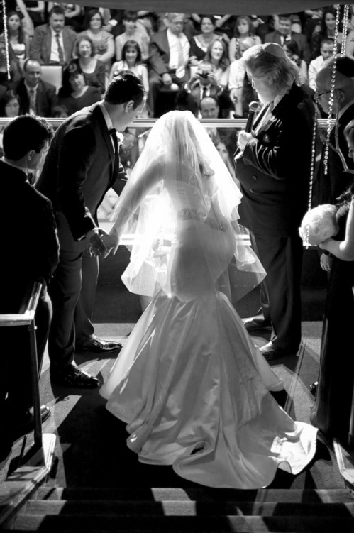 The Flaum - Wolter Wedding was simply luxurious!  And this black & white photo by Deidra Wilson is simply stunning.