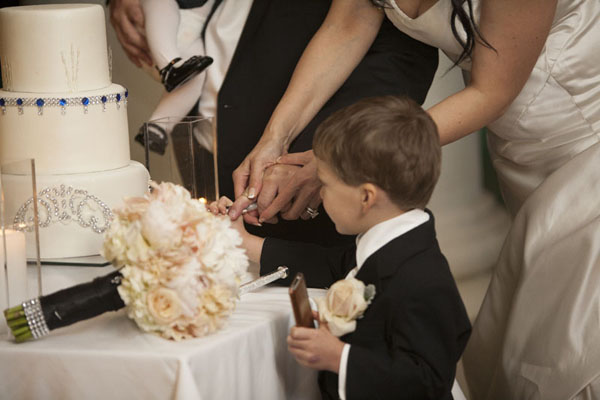 Cutting the cake as a family.