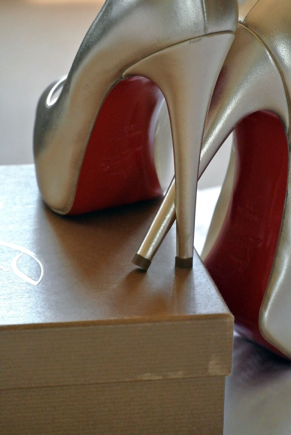 Is there anything sexier than a red soled shoe?!? Photo by Andrea Eppolito.