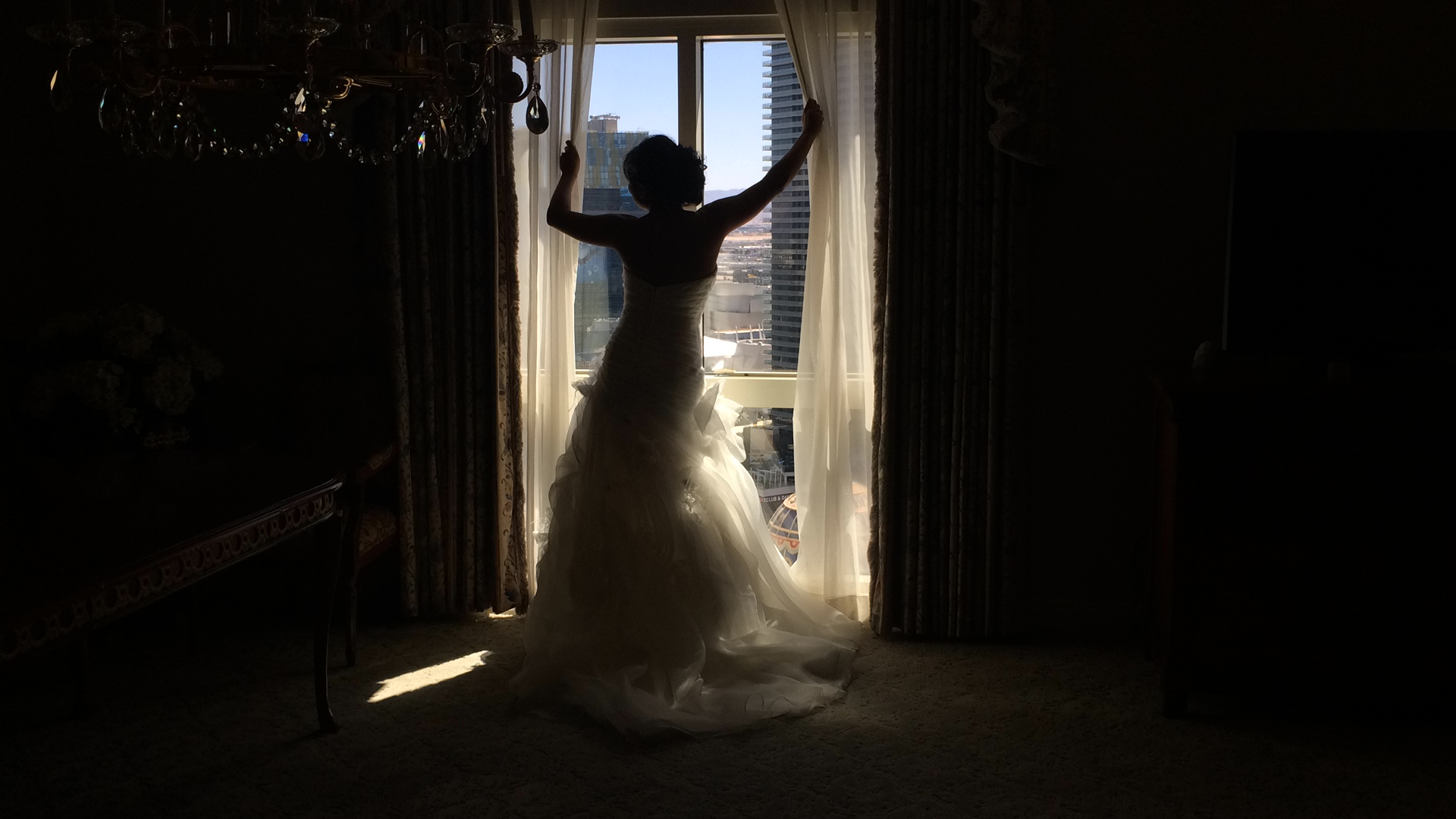 Gorgeous silhouette!  Photo by Las Vegas Wedding Planner Andrea Eppolito.