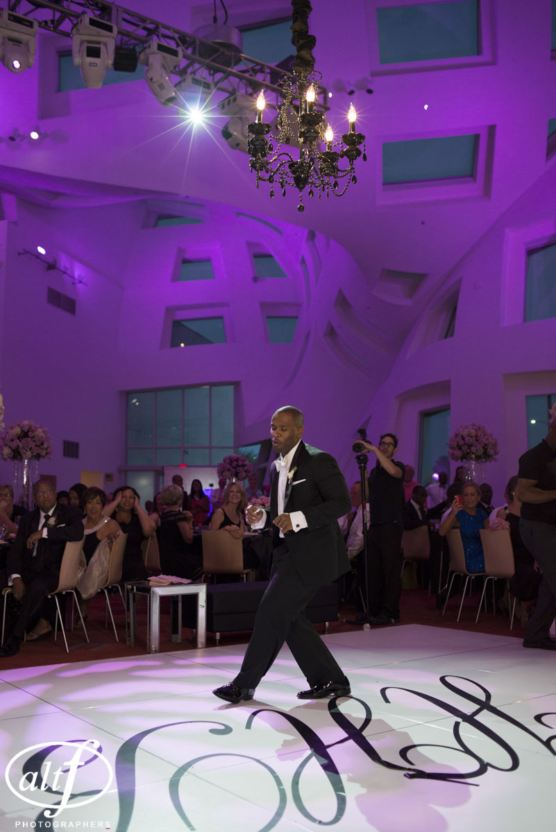 All eyes were on the groom as he took to the dance floor. Bryan Heard. June 2014.   Las Vegas Wedding Planner Andrea Eppolito    Photo by  www.alf.com