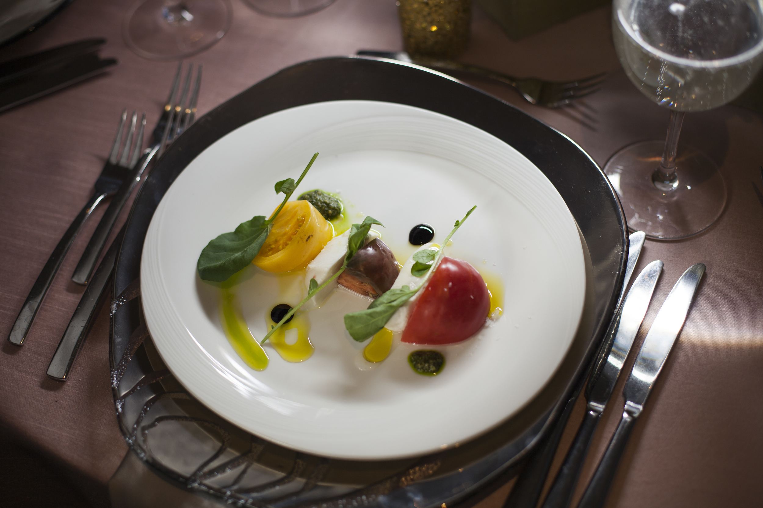 What will you serve at your wedding? A guide to your menu tasting and the top 5 things to do to ensure it is perfection! Salad by Mandarin Oriental Las Veags. Photo by Altf Photography.