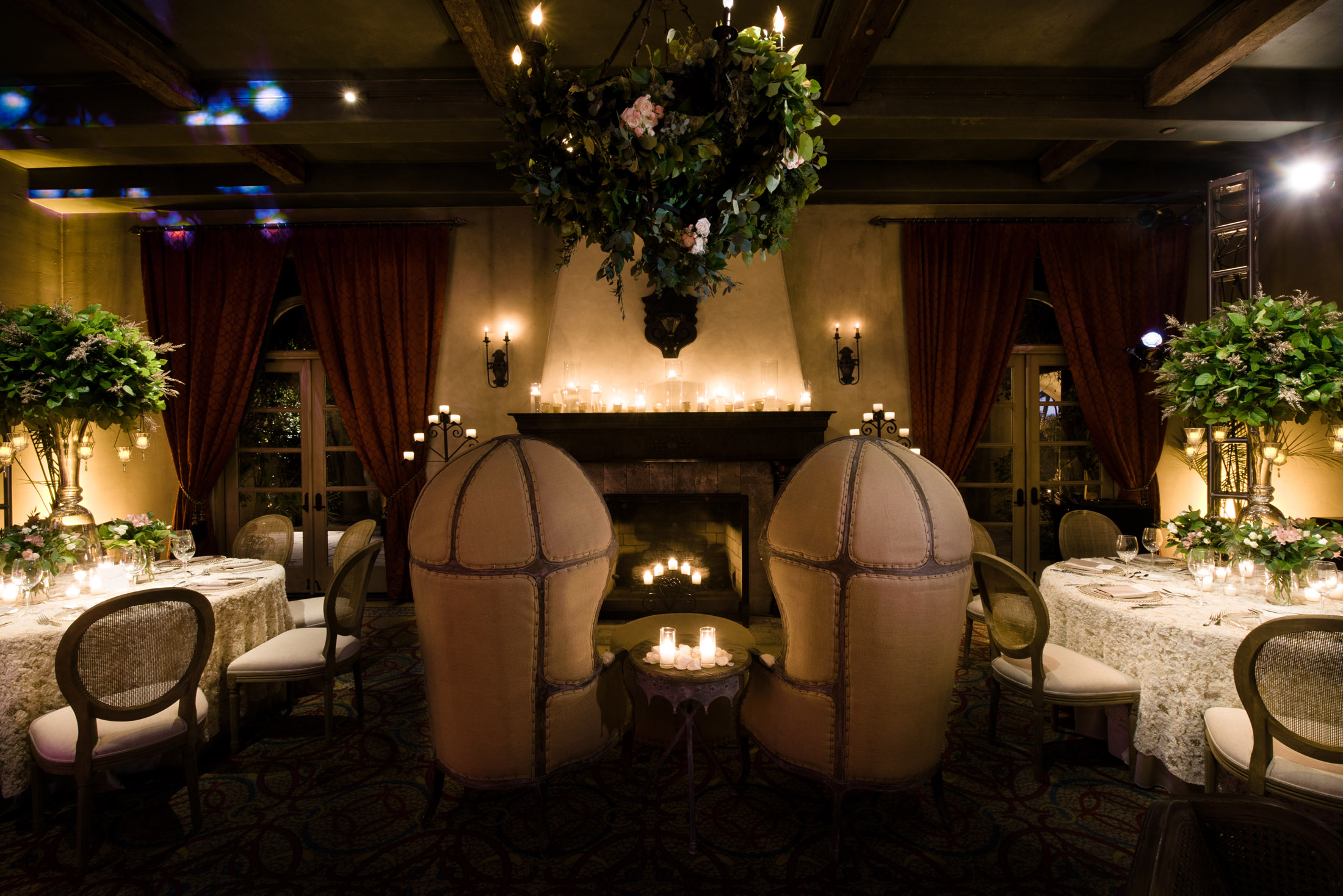 Warm lounge seating at luxury wedding conference Reverie Retreat. Featured by Speaker and Las Vegas Wedding Planner www.AndreaEppolitoEvents.com. Photo by Cameron Kelly Studio.