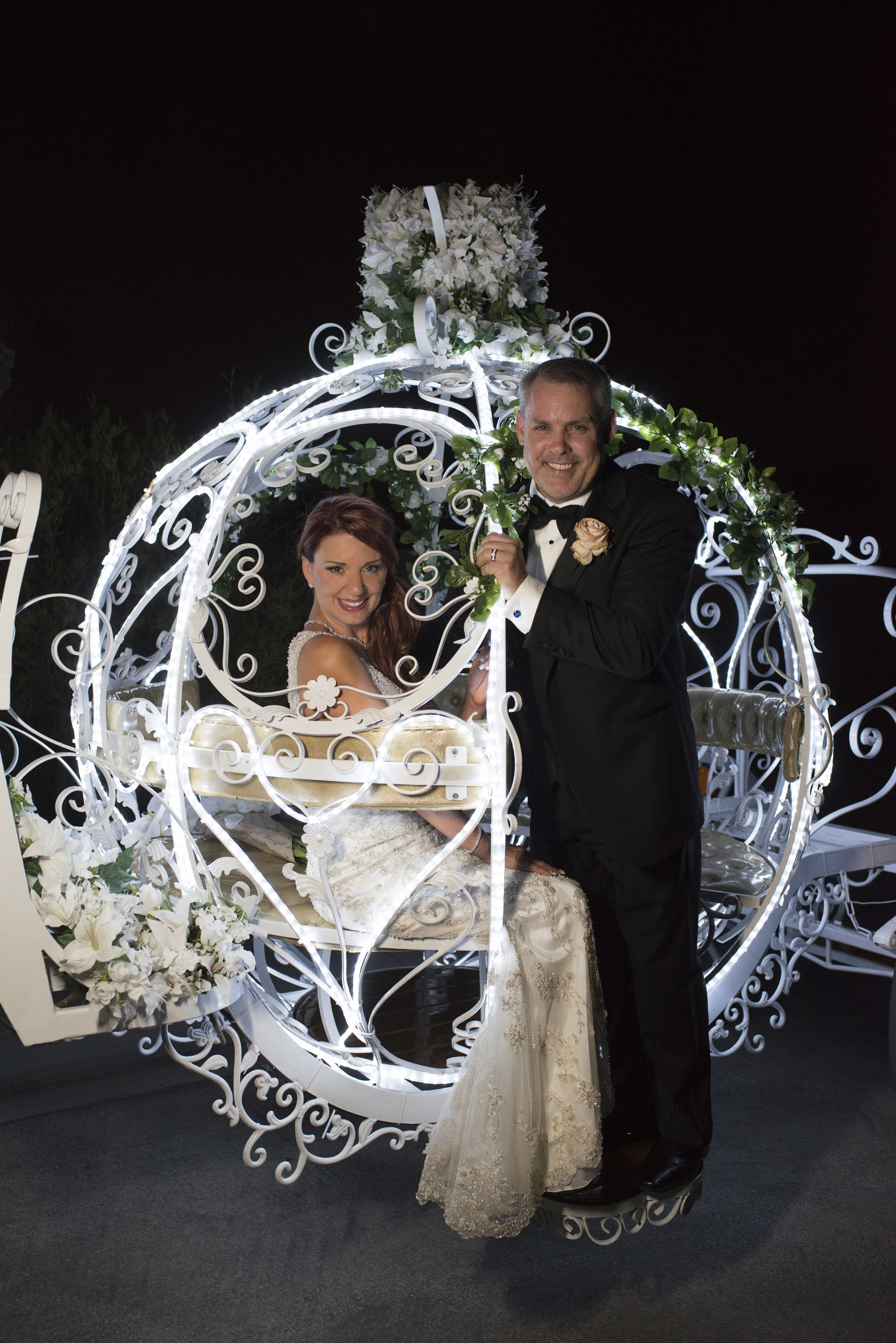 Cinderella carriage for leaving the wedding. Horse drawn carriage for bridal get away. Luxury Las Vegas Wedding Planner Andrea Eppolito. Image by AltF Photography.