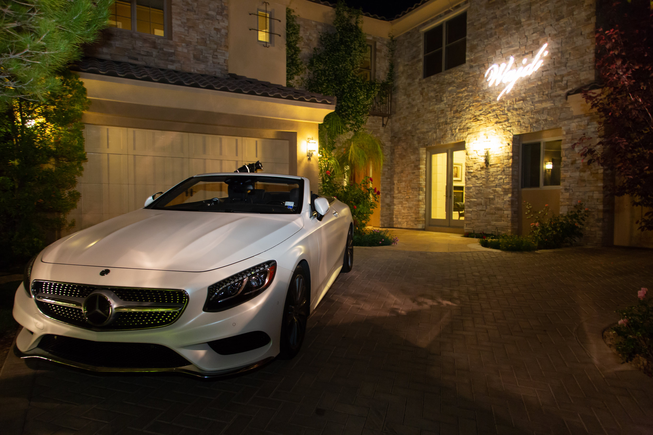 Convertible Mercedes for Pop Star Wajdi Kassas.Las Vegas Event Designer Andrea Eppolito designed a Havana Nights Birthday Party for pop star Wajdi Kasas. Decor from By Dzign with lighting from LED Unplugged. Adam Frazier took the photos, and catering came from Cut & Taste.