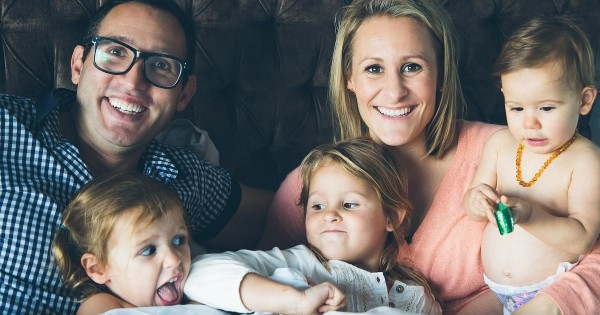 Business Chicks' Emma Isaacs with three of her four children. Image from Mamamia [click for source]