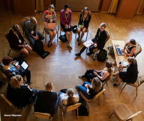 Maakunnalliset nuorisovaltuustot herättivät keskustelua Nuorten vaikuttajien Huipputapaamisessa toukokuussa. Kuva: Nestori Majoinen
