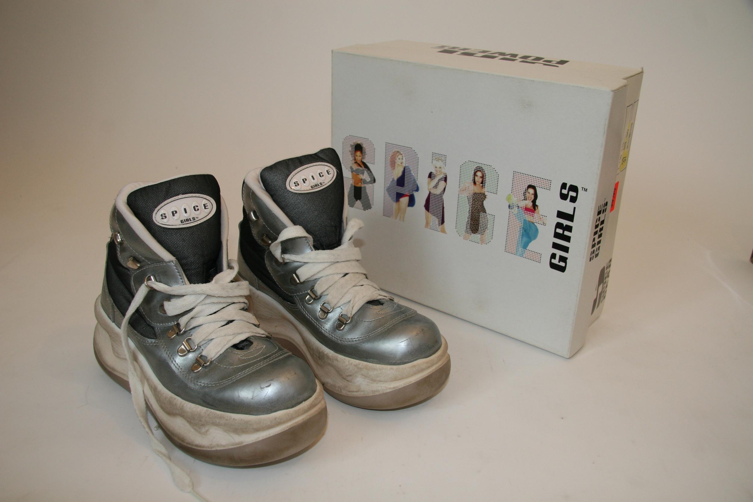 shoe-sg 001.JPG