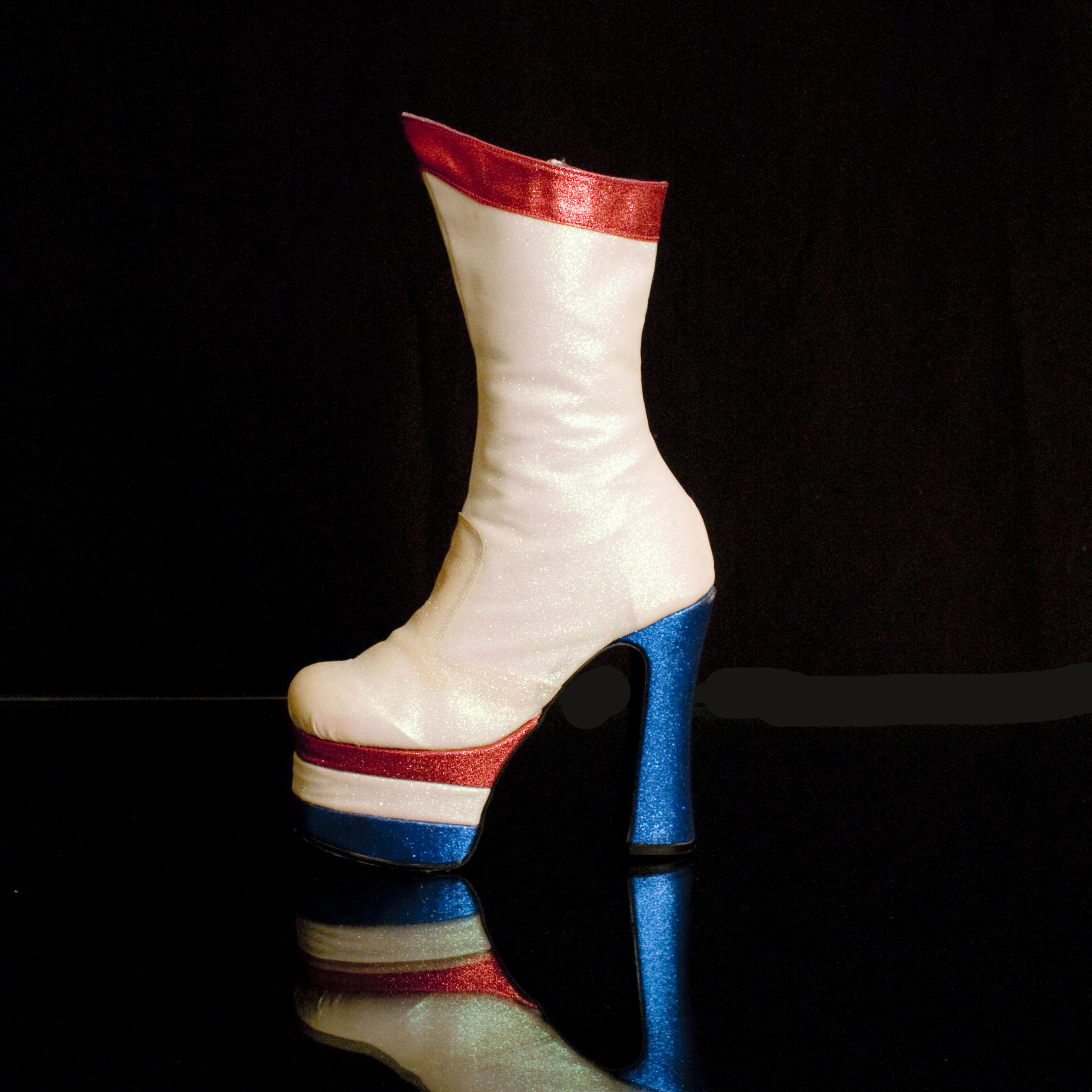 Geri Glitter Finish Boots 300 HQ.jpg