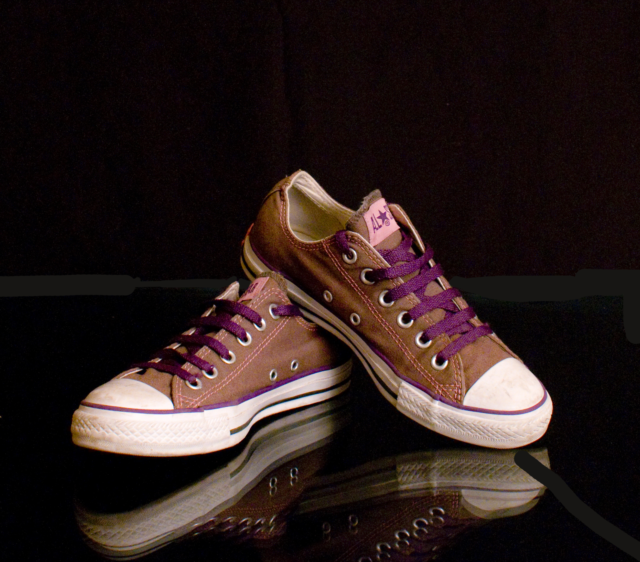 Mel C Purple Trainers 300 HQ.jpg