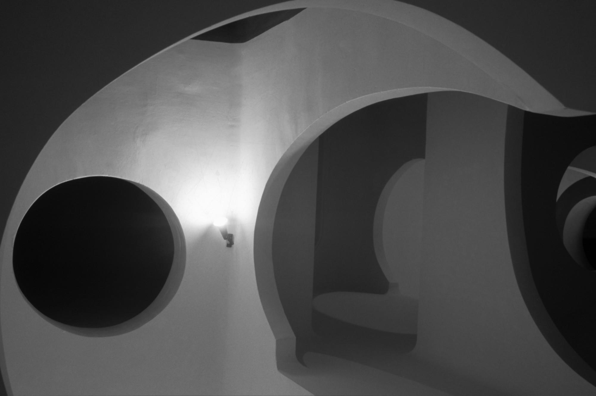 5116d2e6b3fc4b084300003d_ad-classics-xanad-ricardo-bofill_xanadu_calpe_spain_ricardo_bofill_taller_arquitectura_9.jpg