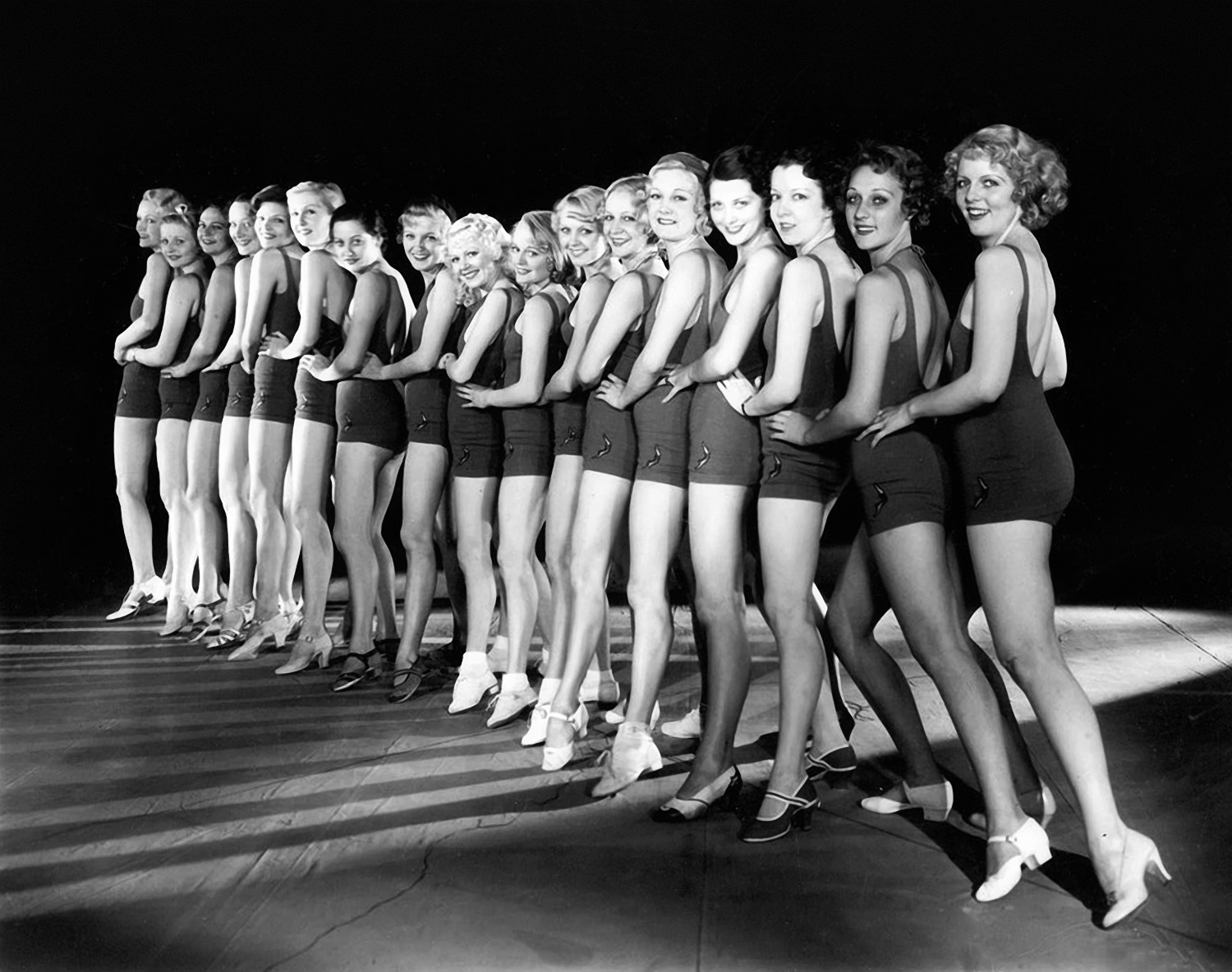 Annex - Chorus Girls (Footlight Parade)_03.jpg