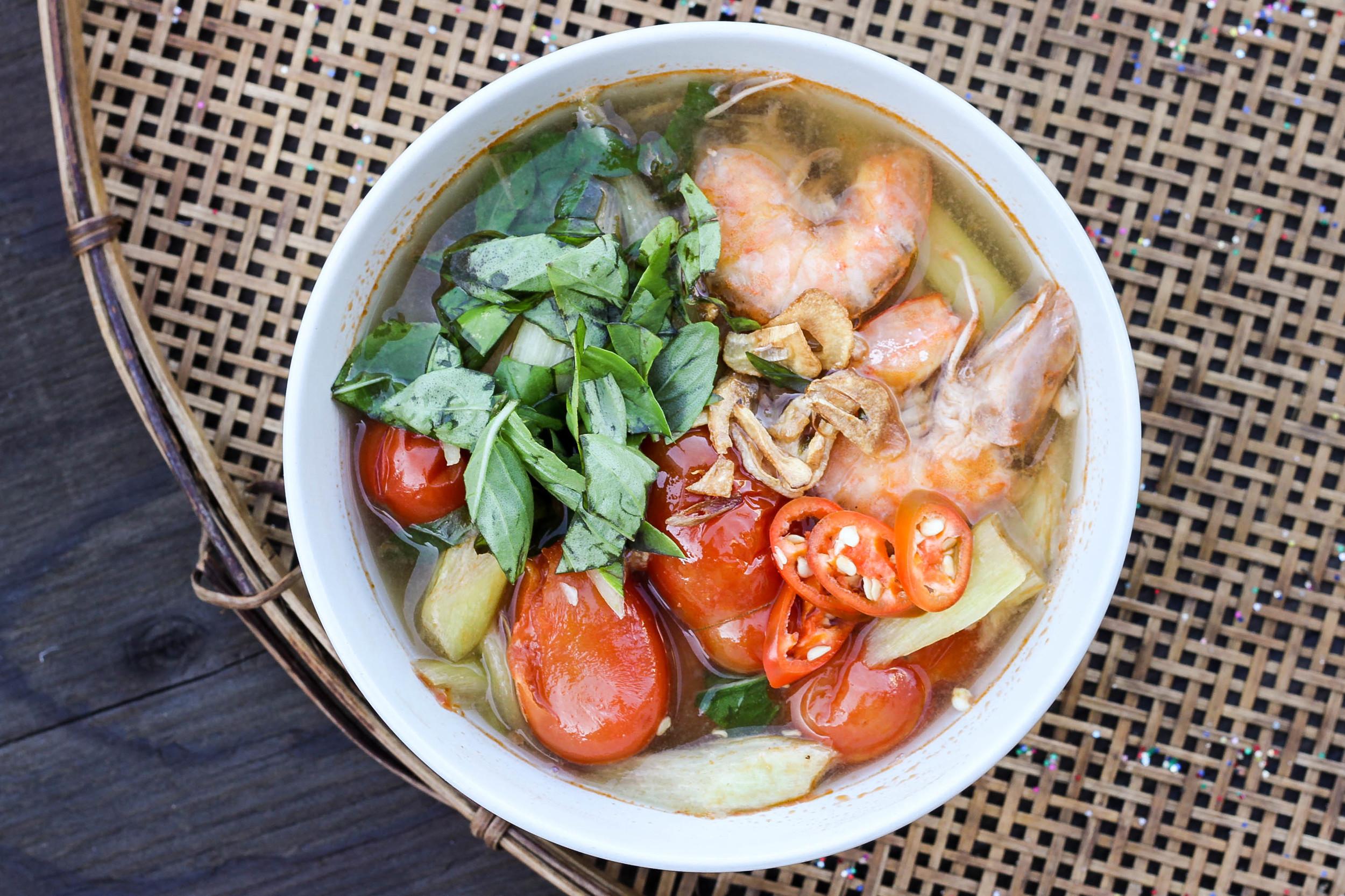 Vietnamese Sour Shrimp Soup  (Canh Chua Tom)