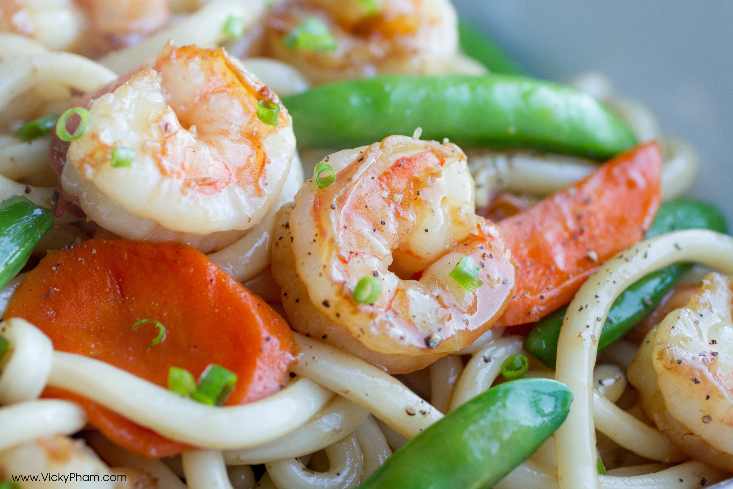 Stir-Fried Udon with Shrimp, Sugar Snap Peas and Carrots