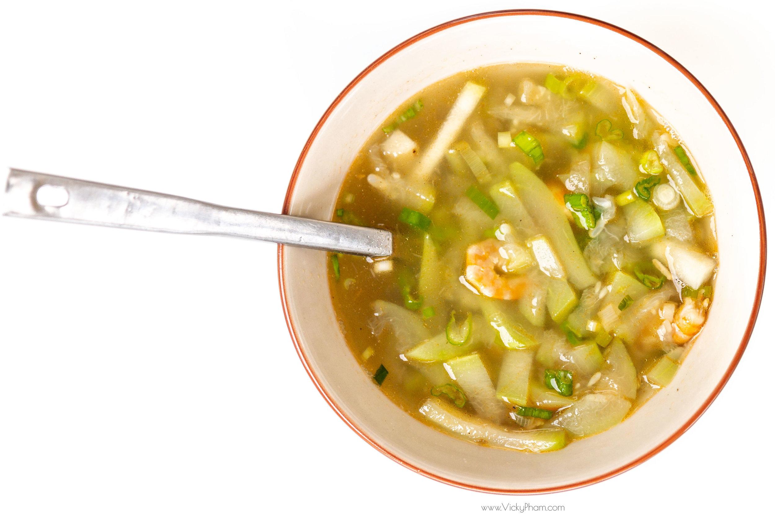 Canh Bầu Tôm (Vietnamese Opo Squash & Shrimp Soup)