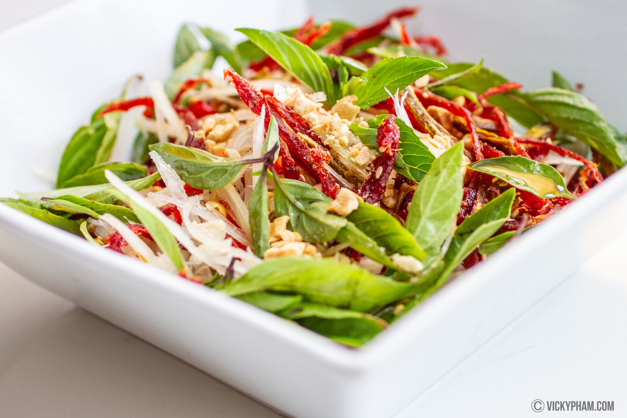 Vietnamese Papaya & Beef Jerky Salad (Goi Du Du Bo Kho)