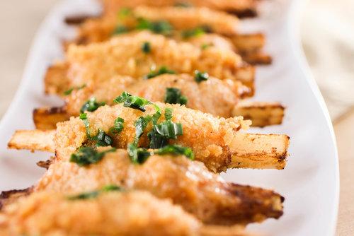 Shrimp Paste Sugar Cane Skewers (Chao Tom)