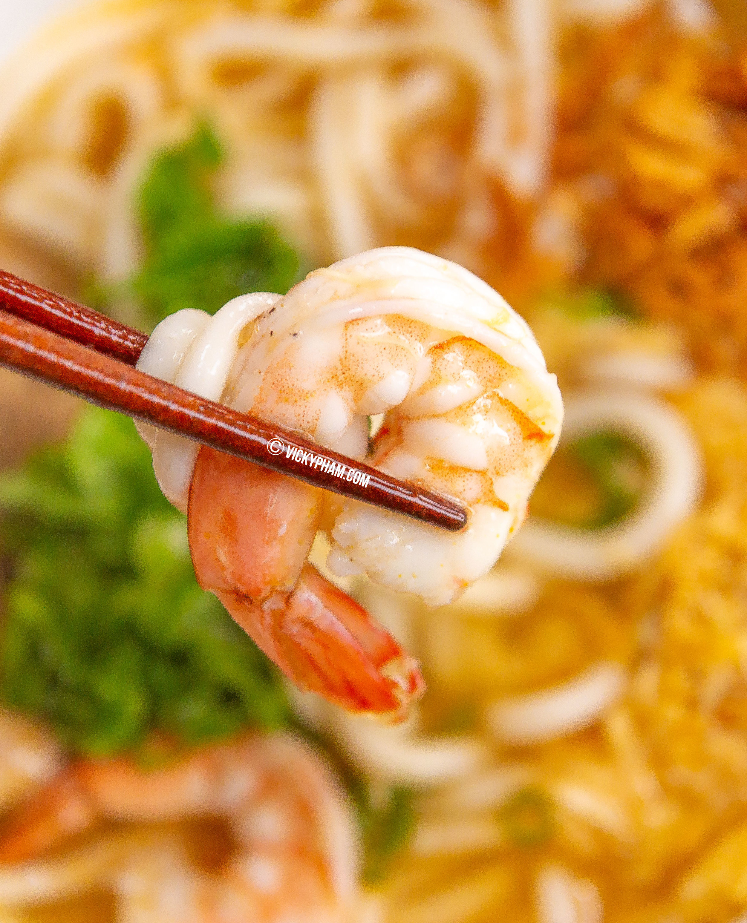 Vietnamese Crab & Shrimp Noodle Soup (Banh Canh Cua Tom)
