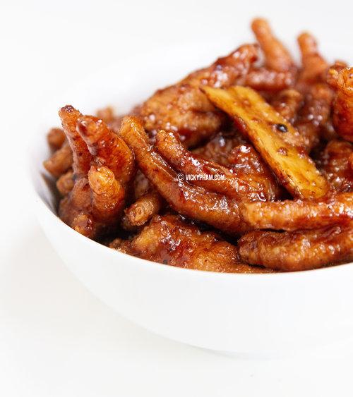 Dim-Sum-Style Braised Chicken Feet with black bean sauce