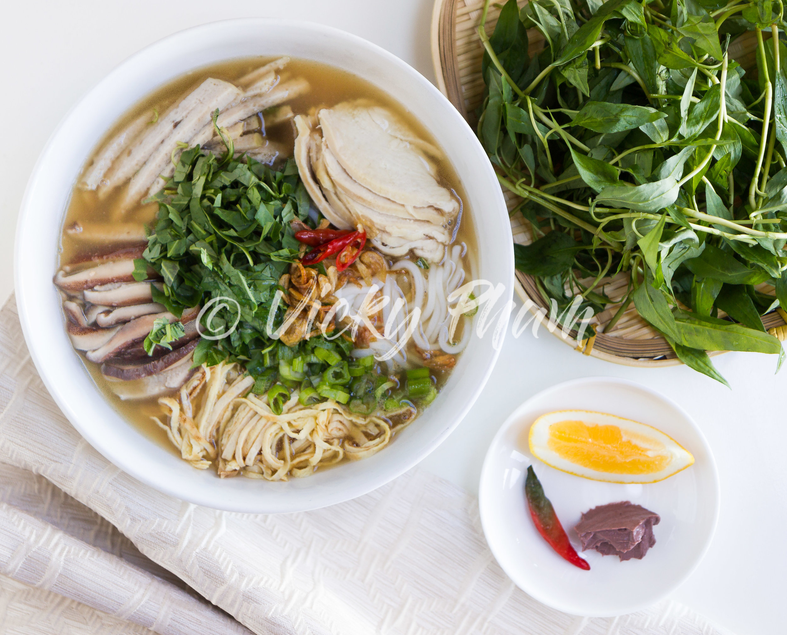 Hanoi Noodle Soup with Ham, Chicken and Shrimp (Bun Thang)