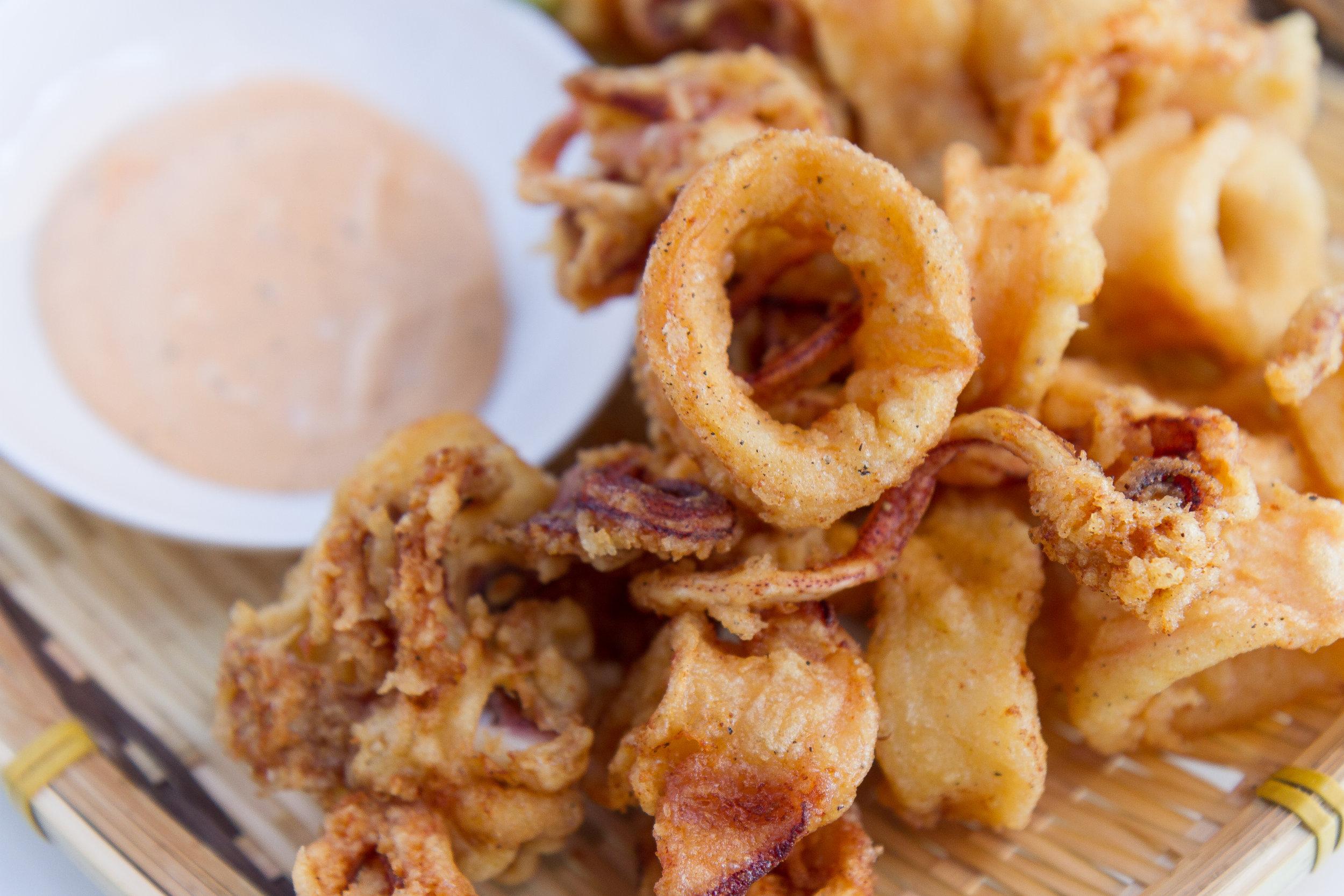 Easy Crispy Fried Calamari (Muc Chien Gion)