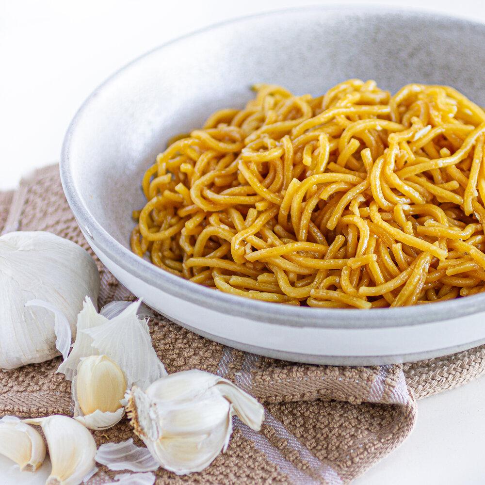 Garlic Egg Noodles (Mi Xao Bo Toi)