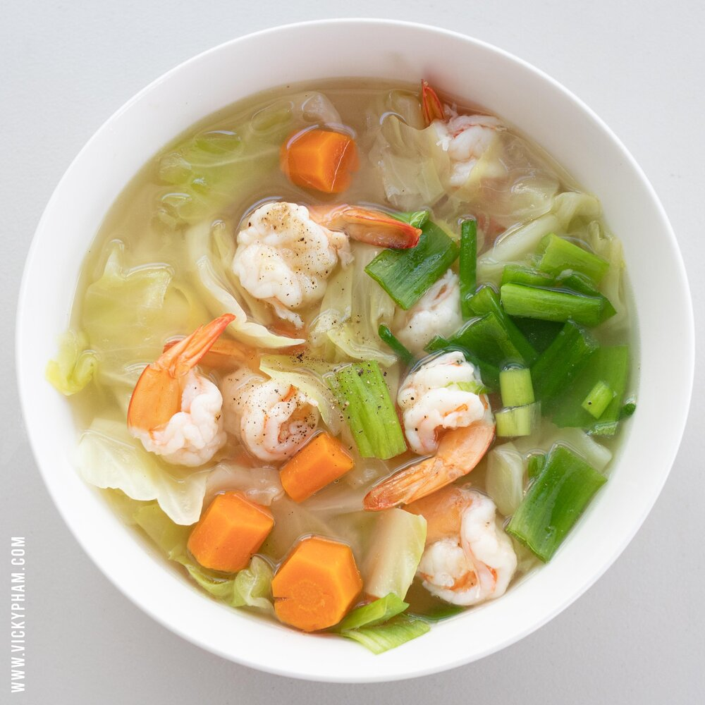 Vietnamese Cabbage & Shrimp Soup (Canh Bắp Cải Nấu Tôm)