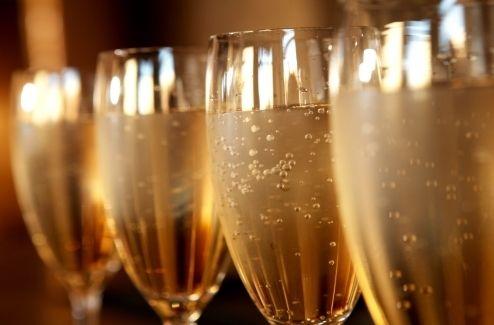champagneglassesbesteventagencyaround