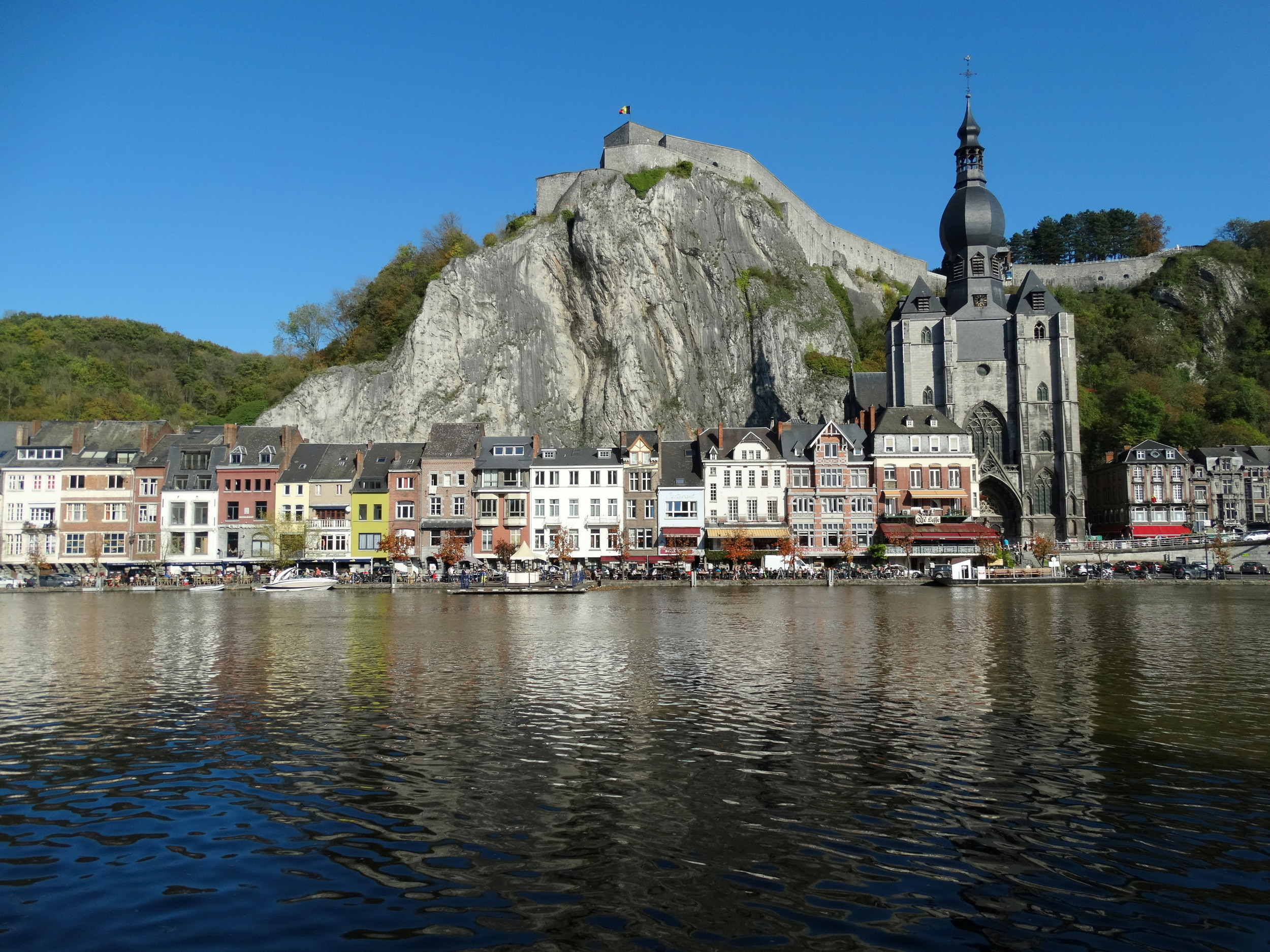 Dinant showing off