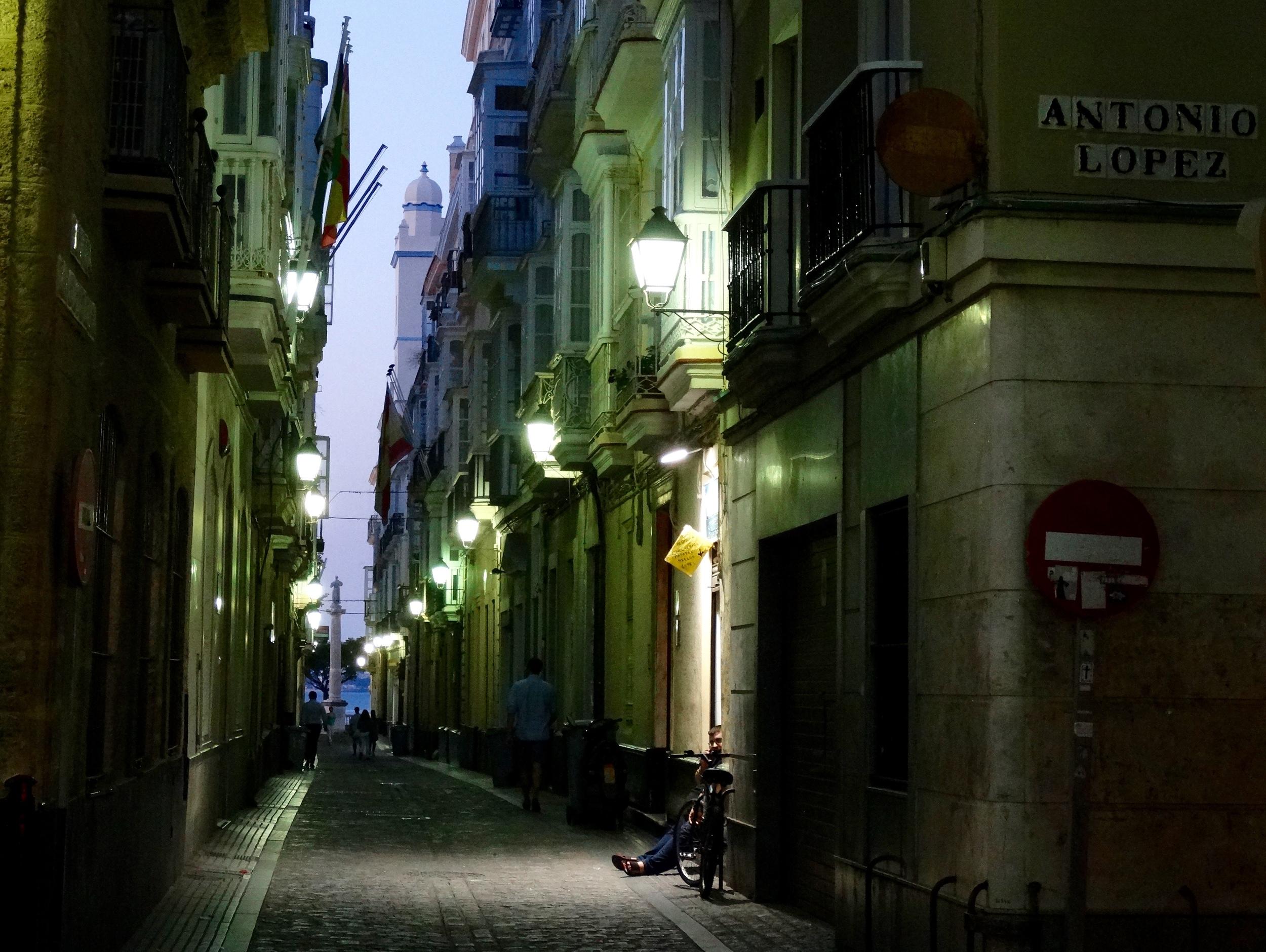 Night falls in Cadiz