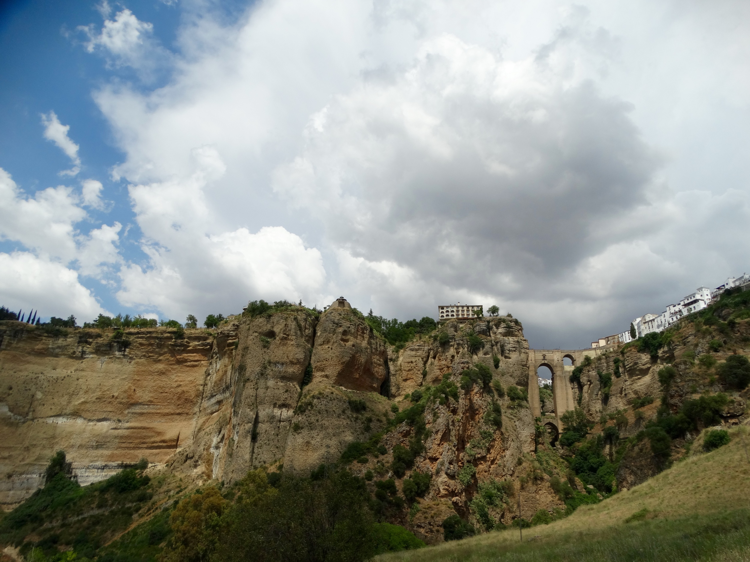 The Ronda approach