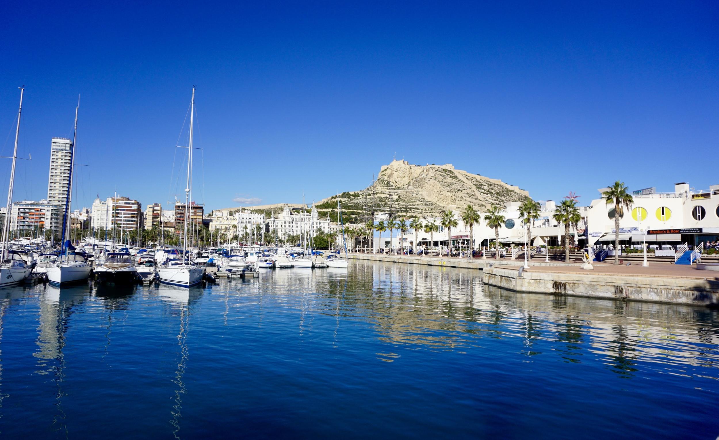 Alicante skyline