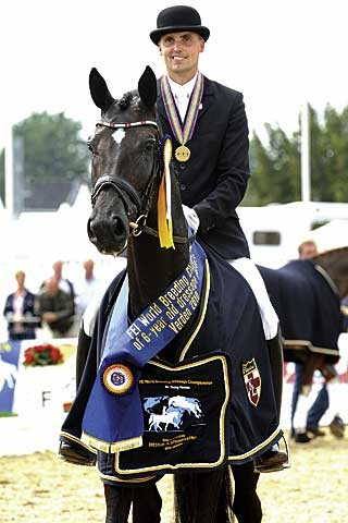 Världsmästaren Uno Donna Unique e Blue Hors Don Schufro