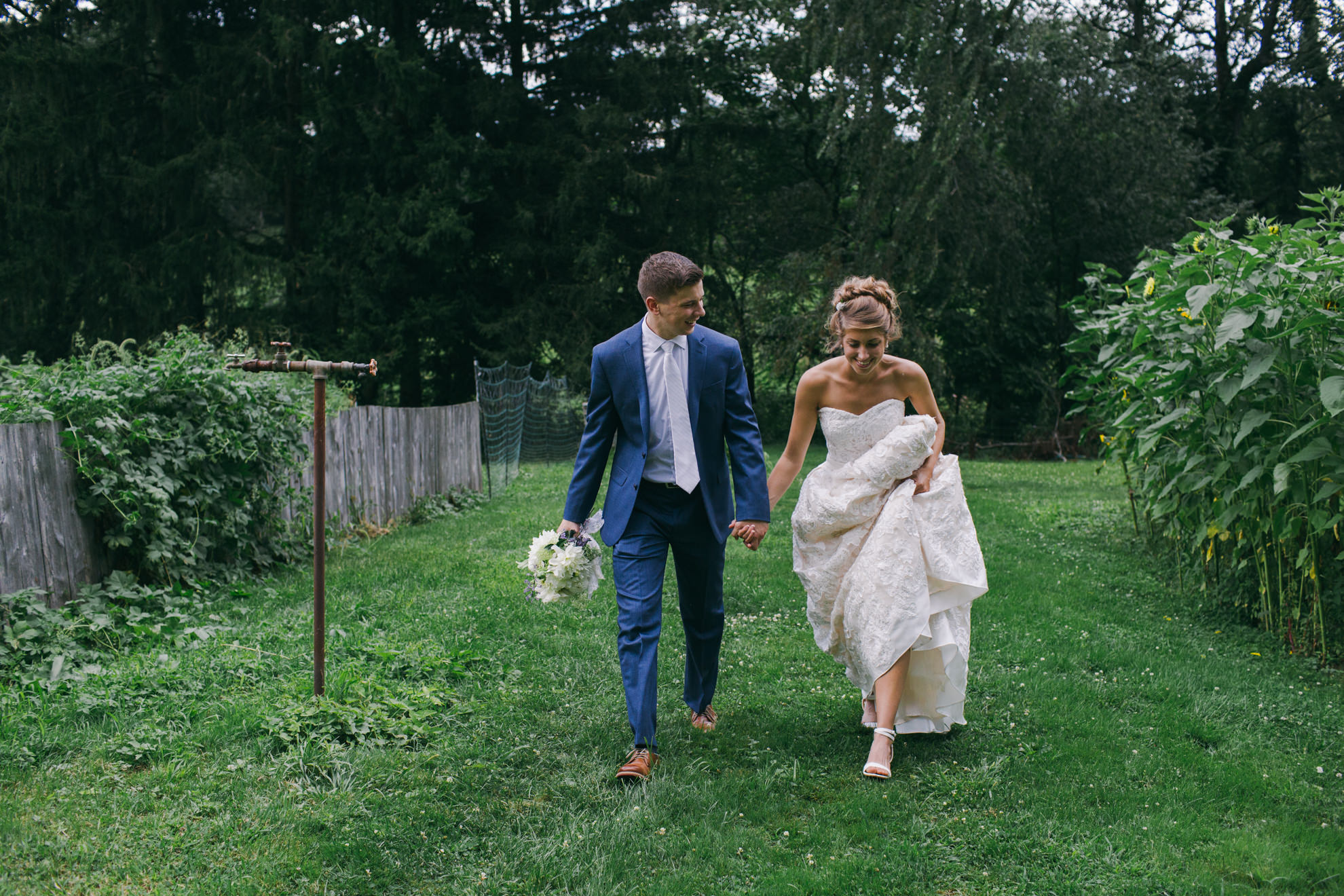 www.taylorlaurenbarker.com // @taylorlaurenbarker // Candid Wedding Photojournalist