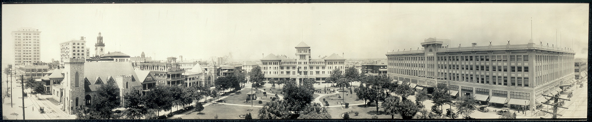 Hemming Plaza in 1909. This picture came from the  Library of Congress