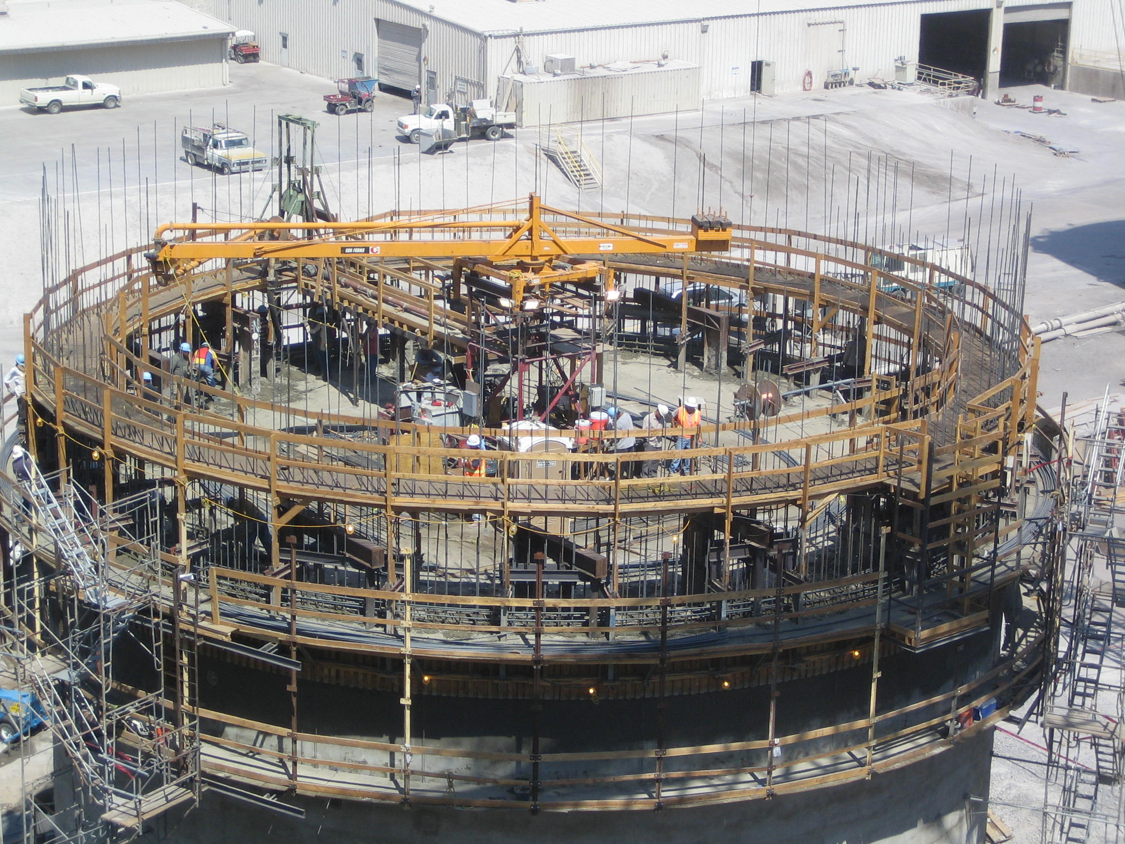 Slip-forming a concrete silo. Design and photo courtesy of Behrent Engineering Company.