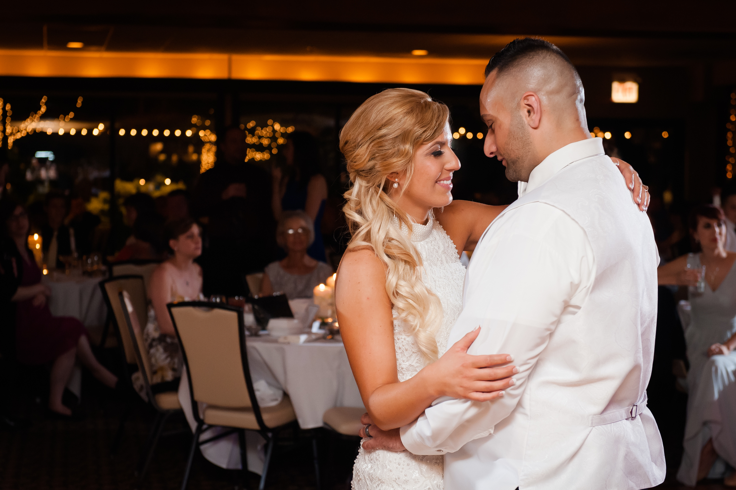first dance at silver lake in Orland Park Illinois